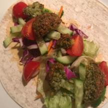 falafel wrap with hummus